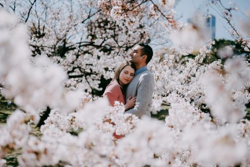 Tokyo engagement pre-wedding photography with cherry blossoms - Japan portrait photographer Ippei and Janine