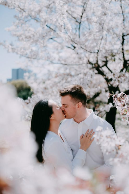 Tokyo engagement photography with sakura cherry blossoms - Japan pre-wedding portrait photographer Ippei and Janine