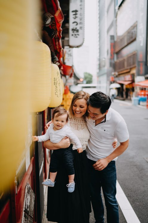 English speaking Tokyo family portrait photographer - Tokyo vacation photography by Ippei and Janine