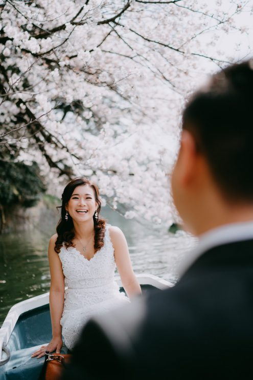 Tokyo sakura cherry blossom pre-wedding photography - Tokyo engagement photographer Ippei and Janine