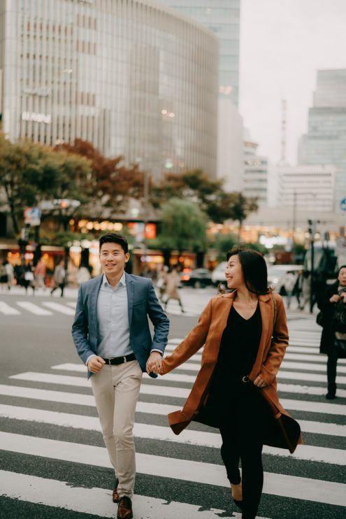 Tokyo engagement photographer - Pre-wedding portrait photography by Ippei and Janine