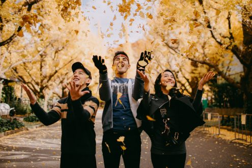 Tokyo autumn portrait photoshoot - Family photography by Ippei and Janine