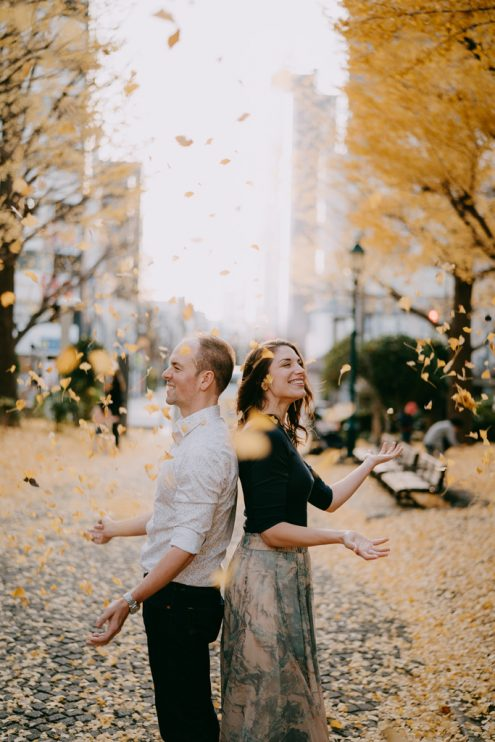 Tokyo portrait photographer Ippei and Janine - Japan engagement pre-wedding photography with autumn leaves