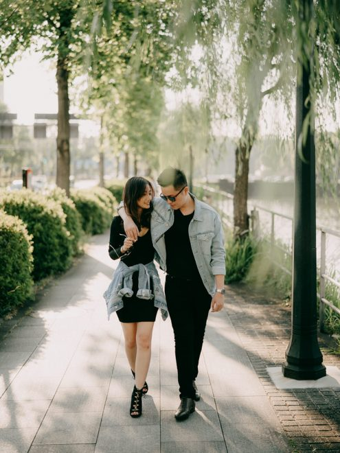 Tokyo pre-wedding photographer - Tokyo engagement portrait photography by Ippei and Janine