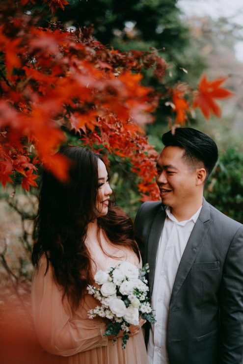 Tokyo pre-wedding photography with autumn leaves - Japan engagement photographer Ippei and Janine