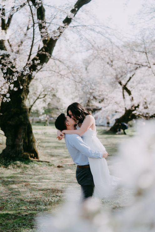 Tokyo pre-wedding photoshoot with cherry blossoms - Ippei and Janine Photography