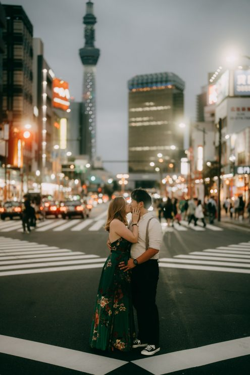 Tokyo engagement portrait photographer - Japan pre-wedding photography by Ippei and Janine