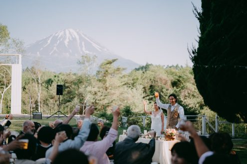 Japan destination wedding photographer - Mt. Fuji Wedding photography by Ippei and Janine