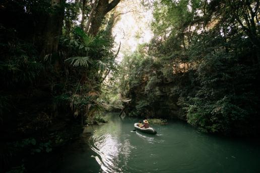 Tokyo canoeing day trip in jungle stream of Saitama