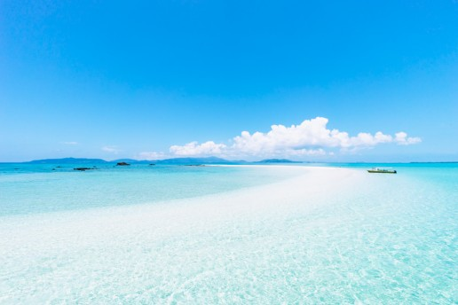Coral cay beach and clear tropical water of Southern Japan, Yaeyama Islands, Okinawa