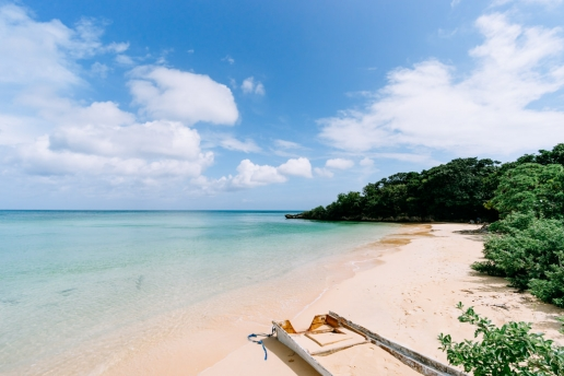 One of many hidden beaches of Ishigaki Island, Okinawa, Japan